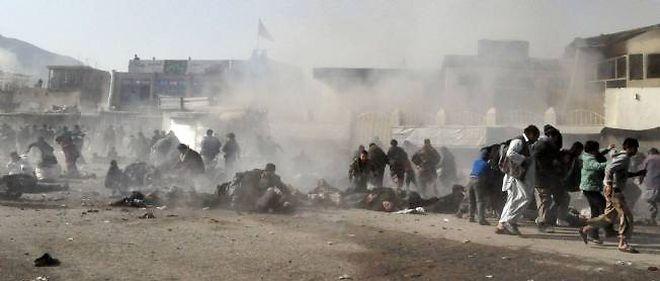 À Kaboul, l'attentat le plus meurtrier, perpétré par un kamikaze, a tué notamment des enfants dans une procession chiite de l'Achoura, une des fêtes les plus sacrées de cette branche de l'islam.