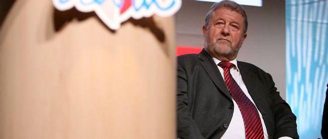 Jean-Pierre Kucheida, député-maire de Liévin, semble avoir confondu sa carte bleue et celle de la Soginorpa.