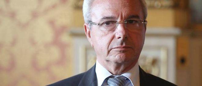 """Le ministre français aux Affaires européennes Jean Leonetti, a estimé, à quelques heures de l'ouverture à Bruxelles d'un sommet européen décisif, que l'euro pouvait """"exploser"""" et l'Europe """"se défaire""""."""