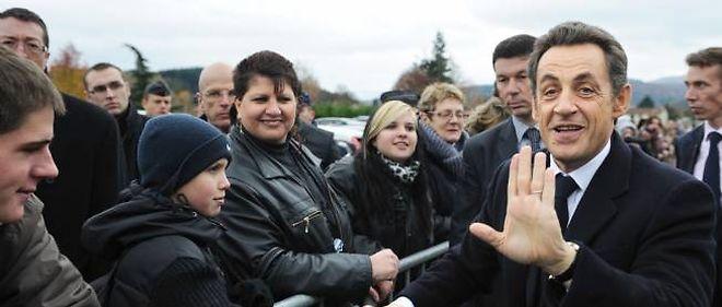 Nicolas Sarkozy lors de sa visite dans l'Allier, à Mayet-de-Montagne, en novembre 2010.