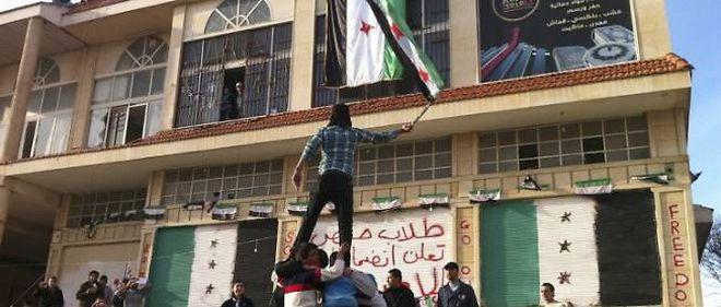 Des millions de Syriens descendent dans les rues depuis plusieurs semaines pour dénoncer le régime du président el-Assad.