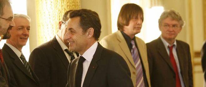 Nicolas Sarkozy va rencontrer les responsables syndicaux et patronaux à l'Élysée, le 18 janvier, pour parler des moyens de lutter contre le chômage.