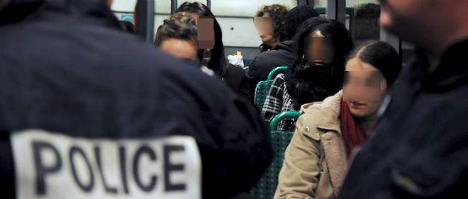 """Claude Guéant se dit décidé à """"veiller à la sécurité des Français"""" le soir du réveillon."""