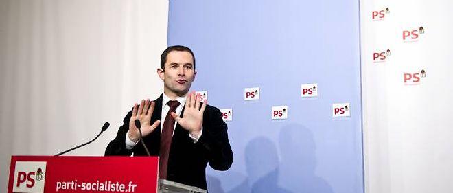 """""""Jamais un président de la République n'aura autant maltraité les Français pour protéger une minorité d'entre eux"""", insiste Benoiît Hamon, porte-parole du PS."""