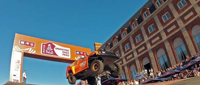 Les premiers véhicules sont partis dimanche de Mar del Plata, sur la côte atlantique argentine.