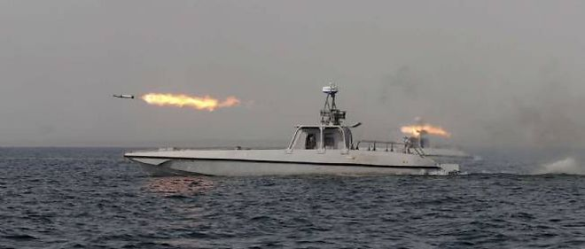 Les manoeuvres navales iraniennes se poursuivent dans le Golfe, non loin du détroit d'Ormuz.