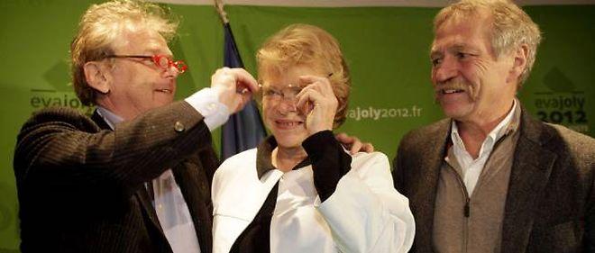 Daniel Cohn-Bendit, Eva Joly et José Bové à la maison de l'Europe, lundi, pour une séance photo.