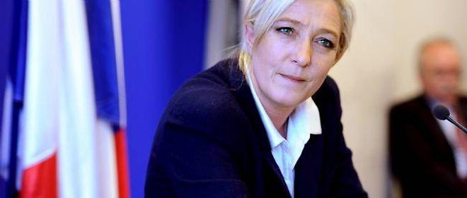 """Marine Le Pen décidera """"en fonction de (s)on résultat à la présidentielle"""" si oui ou non elle se présente dans la 11e circonscription du Pas-de-Calais pour les législatives."""