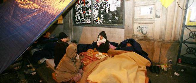 La Fondation Abbé Pierre recense près de 133 000 personnes sans domicile.