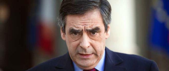 """Dans une interview au """"Monde"""", François Fillon a réaffirmé son soutien à Nicolas Sarkozy et à ses dernières propositions."""
