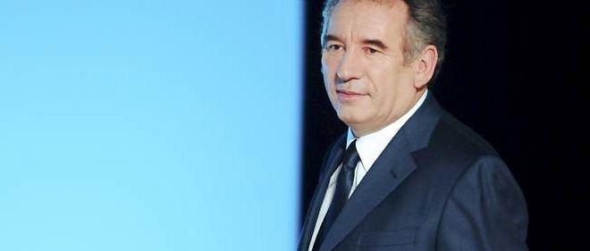 """François Bayrou a, une nouvelle fois, rendu l'UMP et le PS responsables du """"surendettement"""" et des """"gaspillages"""" de l'argent public."""