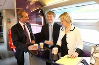 La voiture 11 du TGV-Est voit passer beaucoup de politiques ©LUDOVIC/REA