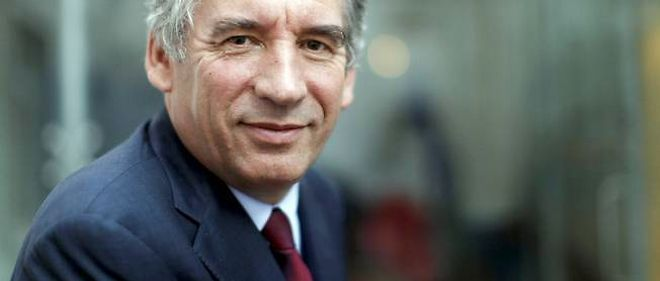 François Bayrou est en meeting à Paris ce dimanche.
