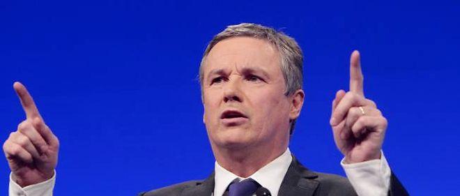 Nicolas Dupont-Aignan lors de son meeting parisien du 25 mars.