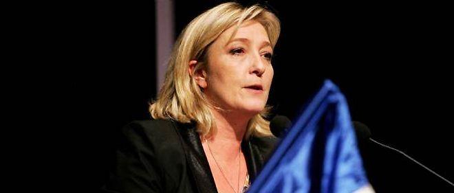 Marine Le Pen s'en est pris vertement à Jean-Luc Mélenchon lors d'un meeting dimanche près de Nantes.