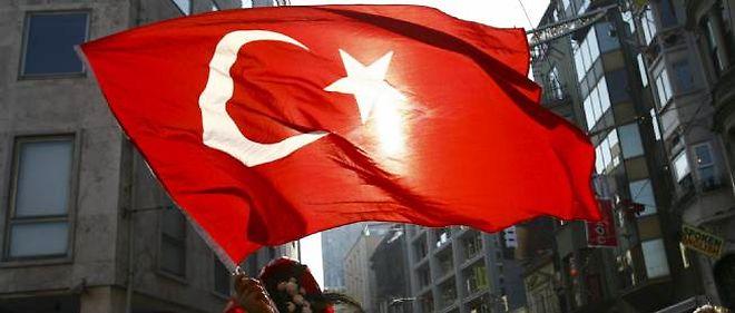 """""""Les activités de l'ambassade de Turquie en Syrie ont été suspendues à partir de ce matin (lundi)"""", a déclaré une source diplomatique turque."""