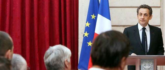 """Nicolas Sarkozy s'est félicité de ce que """"la France n'ait pas cédé à la panique"""" face au tueur de Toulouse et de Montauban."""
