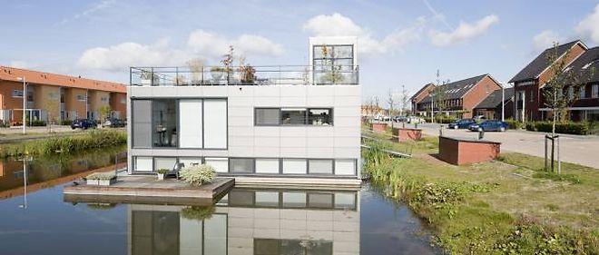 Les maisons flottantes sont dorénavant courantes aux Pays-Bas.