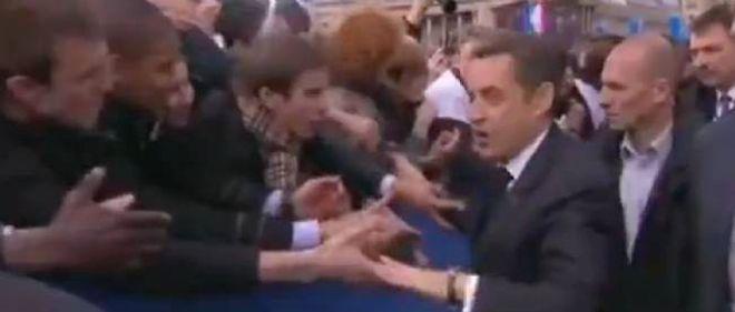 Nicolas Sarkozy sur la place de la Concorde, dimanche.