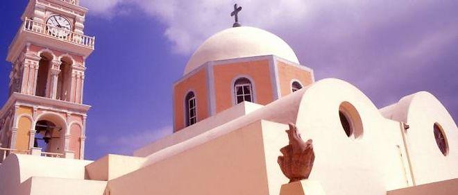 Une église orthodoxe de l'île Santorin, dans les Cyclades grecques.
