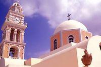 Une église orthodoxe de l'ile Santorini, dans les Cyclades grecques. ©Jerzy Modrak / Bilderberg