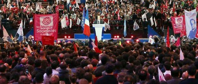 François Hollande à Bercy (Paris), dimanche après-midi.