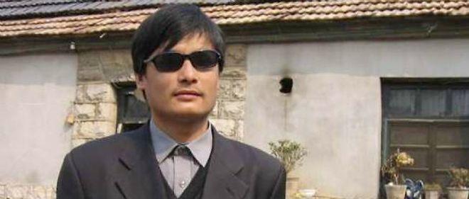 Chen Guangcheng, célèbre dissident chinois aveugle qui s'est réfugié à l'intérieur de l'ambassade des États-Unis au nez et à la barbe du pouvoir chinois.