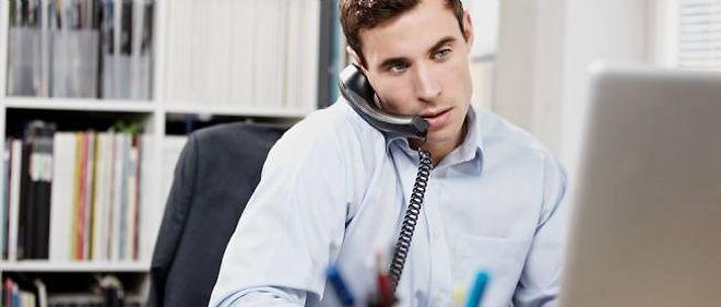 La quasi-totalité des sondés s'adonnent à des activités privées au bureau, mais ils sont aussi 85 % à travailler en dehors des horaires habituels, le soir ou pendant leurs congés.