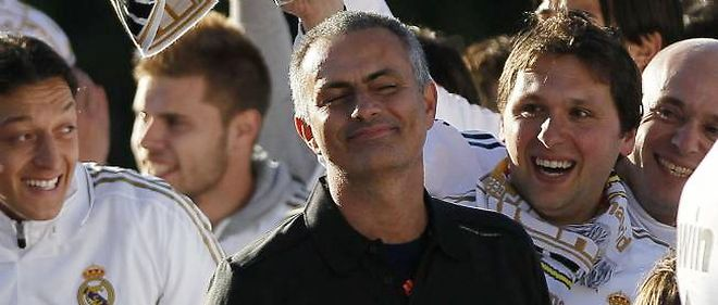 José Mourinho, l'entraîneur du Real Madrid arrivé en 2010, a prolongé quatre saisons supplémentaires.