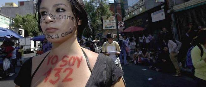 45 000 étudiants indignés ont défilé samedi 26 mai à Mexico.