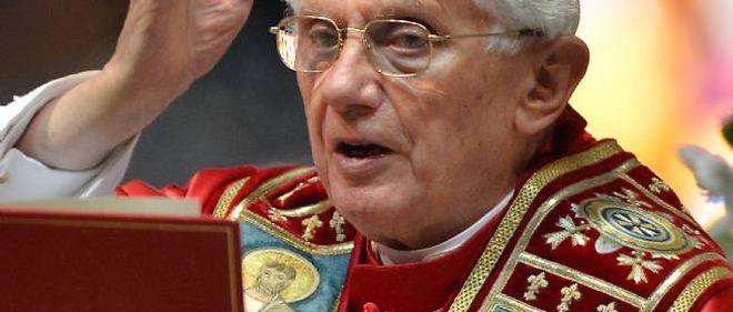 Le pape Benoît XVI a réaffirmé aux prêtres et religieuses que le célibat appartient pleinement à leur vocation.