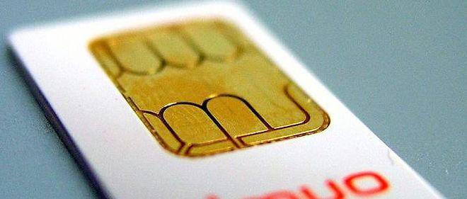 Les nouvelles cartes SIM devraient faire exactement la taille de la puce, et être presque dépourvues de plastique. Photo d'illustration : une ancienne carte SIM. © Photo sous licence Creative Commons by-nc 2.0 par Dreamsister / Via Flickr