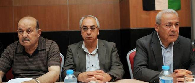 Abdel Basset Sayda, nouveau chef du Conseil national syrien, ici au centre.