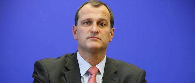 Louis Aliot, numéro deux du FN, appelle les adhérents UMP à faire battre François Fillon lors du prochain congrès.