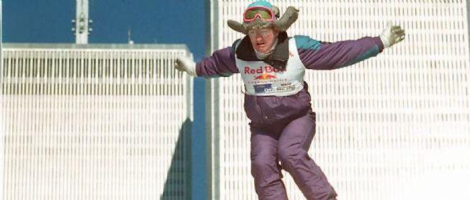 """Le Britannique Eddie """"l'aigle"""" Edwards s'était illustré en 1998 aux JO d'hiver de Nagano en réalisant les records des sauts à ski les plus courts."""