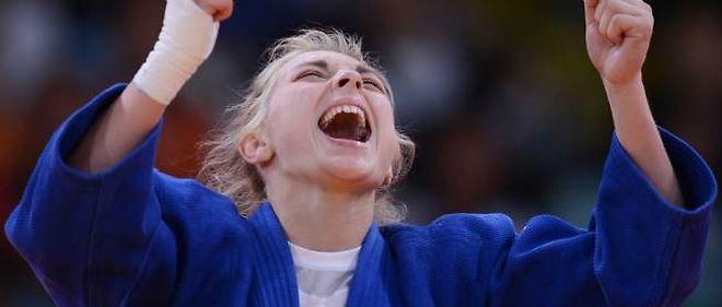 La rage de vaincre d'Automne Pavia lui a permis de prendre la main sur son adversaire. La judoka française obtient le bronze.