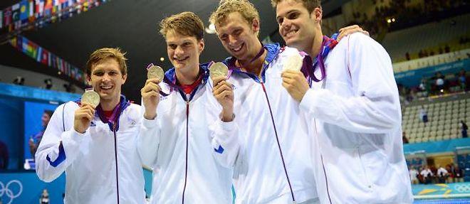 Le relais français du 4x200 mètres nage libre décroche l'argent, derrière les Etats-Unis. ©Martin Bureau