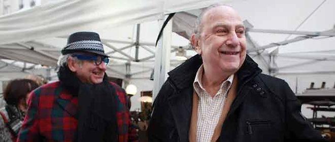 Pierre Aidenbaum, maire du IIIeme avec les commerçants du quartier