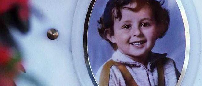 La tombe de Grégory Villemin, noyé après avoir été ligoté le 16 octobre 1984, à l'âge de 4 ans.
