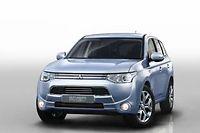 Le Mitsubishi Outlander PHEV cache une grosse batterie lithium ion dans son plancher.