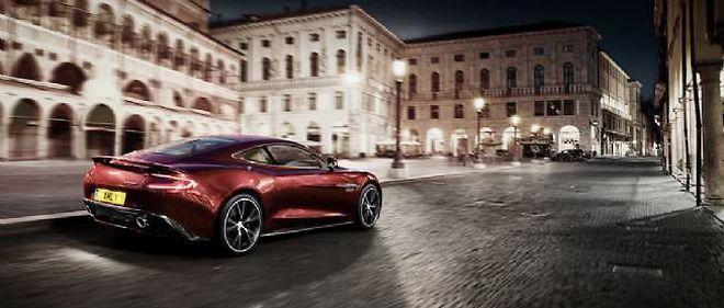 Véritable pépite de la construction automobile, Aston Martin, séparé de Ford, cherche un partenariat avec un grand constructeur. Une occasion rare, car c'est un pan d'histoire qu'on achète avec une telle marque.