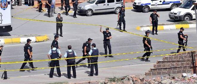 Un cordon de sécurité a été déployé tout autour du lieu de l'attentat, mardi.