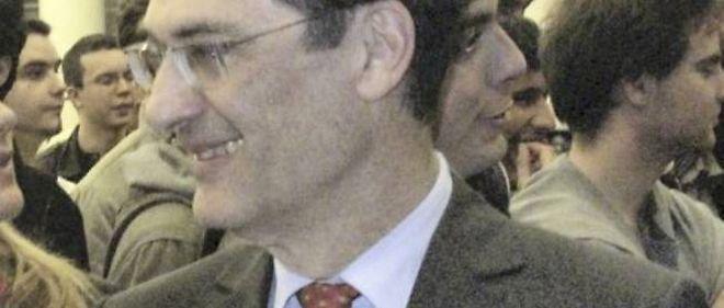 L'ancien secrétaire général de l'UMP Patrick Devedjian apporte son soutien à François Fillon.