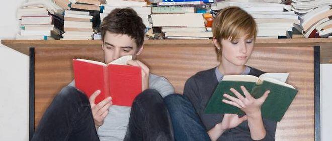 Selon une étude, 17 % des jeunes Anglais ont honte d'être surpris en train de lire.