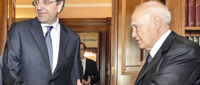 Le président grec, ici en compagnie du Premier ministre conservateur, Antonis Samaras.