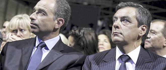 Jean-François Copé et François Fillon, tous deux candidats à la présidence de l'UMP, se sont étonnés qu'une manifestation islamiste ait pu se tenir samedi devant l'ambassade des États-Unis à Paris.