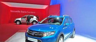 Un modèle économique qui fait des envieux mais qui reste une exclusivité Renault. Et cette fois, les modèles s'occidentalisent et se modernisent comme cette Sandero Stepway dévoilée au Mondial ©Jicey