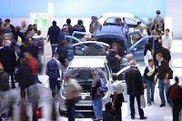 Affluence record sur le stand Dacia au Mondial autour de la nouvelle Sandero ©Bertrand Bechard