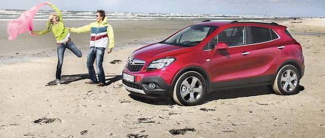 Voitures des villes, voiture des sables, le Mokka est un SUV serré juste ce qu'il faut, ni trop petit, ni trop gros pour jouer l'alternative aux compactes types 308, Golf, C4 et... Astra.