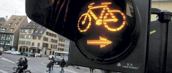 Après la possibilité de tourner à  droite malgré le feu rouge, les cyclistes paieront des amendes moins élevées à Strasbourg.